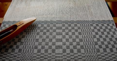 Weven in Pellen, klassieke doeken voor een moderne keuken.