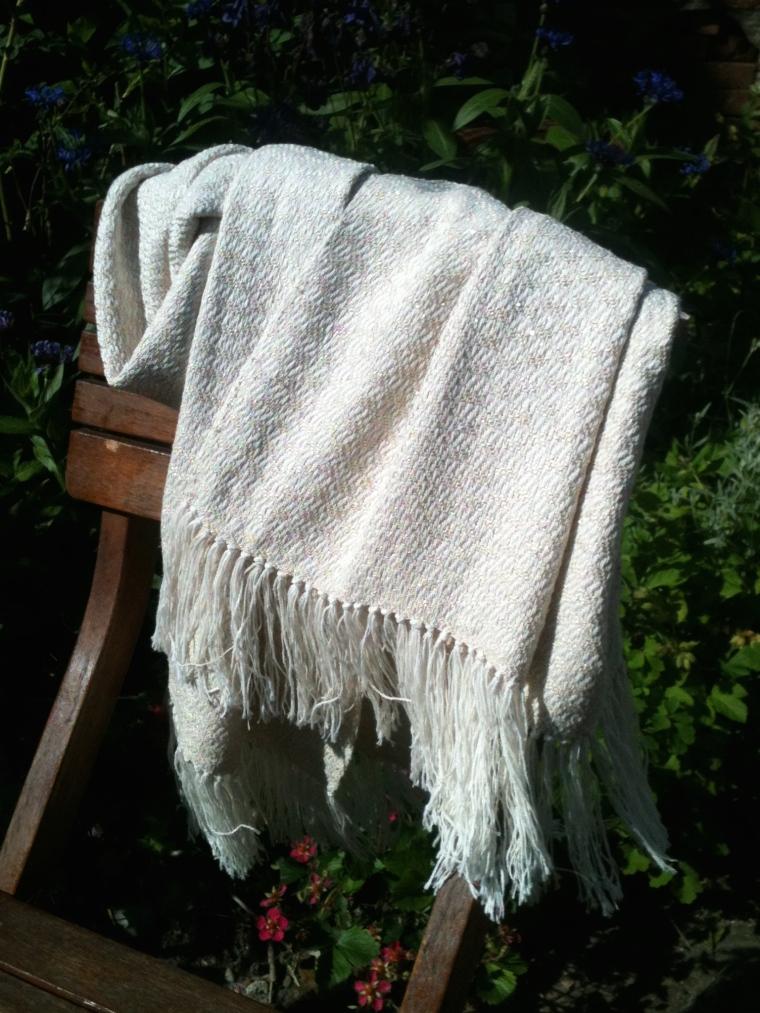 Sjaal van katoen en zijde versiert met gouddraad