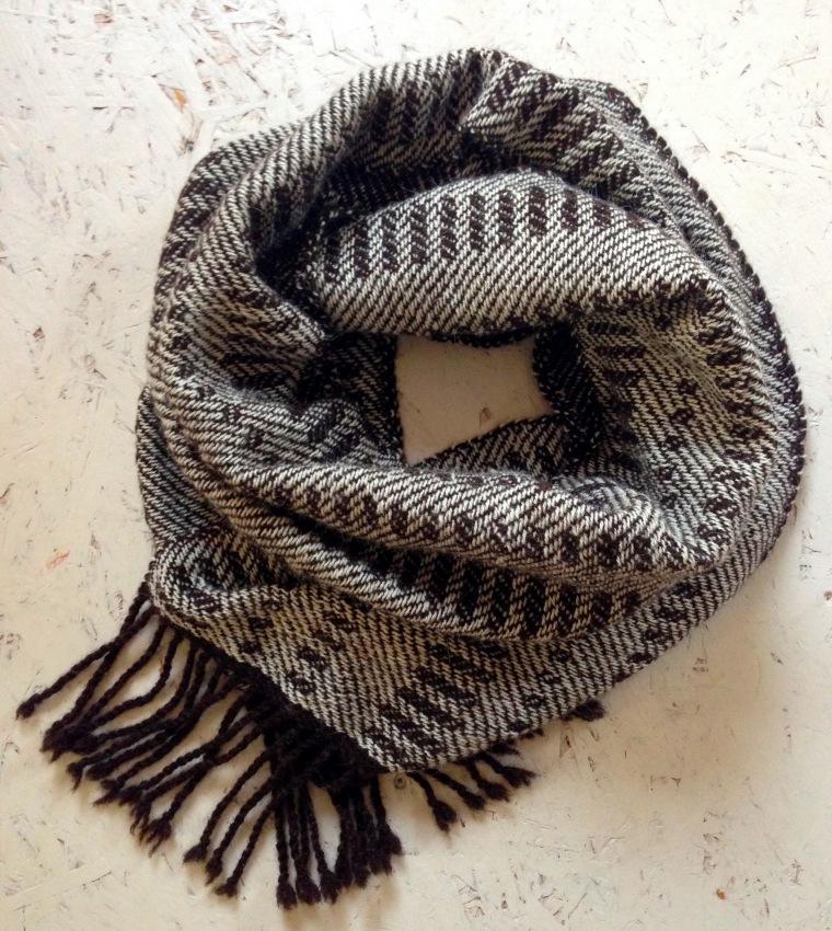 bruin wit sjaal